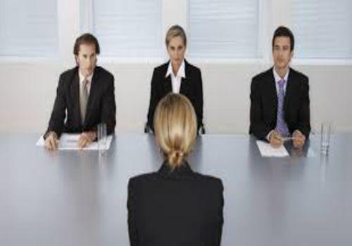 Bằng cao đẳng có xin được việc không?